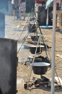 Riblje čorbe u kampu Spusta Bez Granica u Ibarskom Postenju