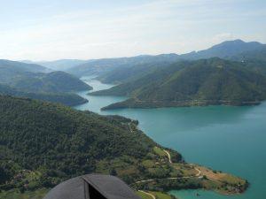 Jezero Gazivode kao veštačka akumulasija za potrebe navodnjavanja ravnica na Kosovu I Metohiji u sistemu Ibar Lepenac u svom osnivanju potopljeno je mnogo Srpskih sela Ibarskog kolašina ali i dvori Jelene Anžujske