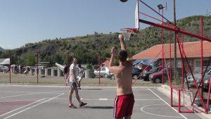 Sportsko takmičenje Basket na kampu Spusta Bez Granica Leposavić Raška pod Kopaonikom na potezu Ibra