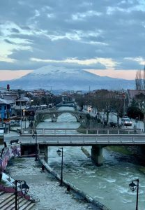 Lepota Prizrena ogleda se u odsjaju vrhova Šar Planine u reci Bistrici